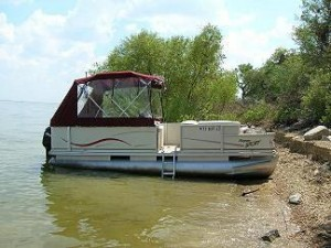 Pontoon Boat Half Enclosure