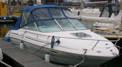 1999 searay 215 Cuddy