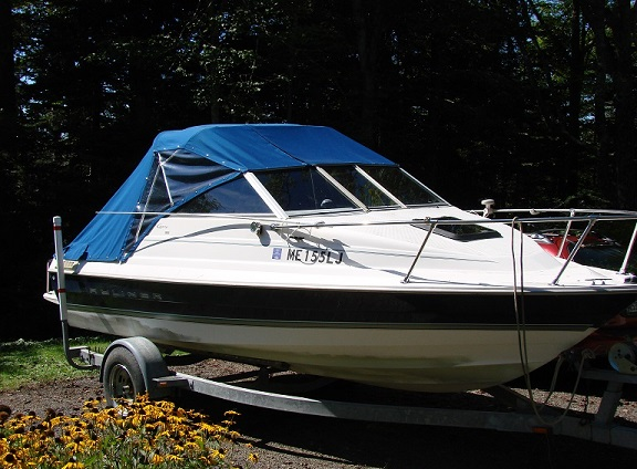 1997 Bayliner Capri 1952 Cuddy-3
