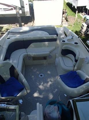 2001 Rinker 232 Captiva Cuddy